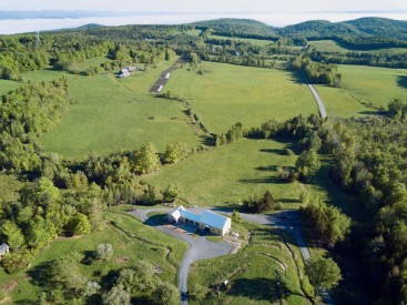 fable-farm-and-farmentory-barnard-vermont-wedding-and-events-venue-SBM-TZ_0257-1030x772